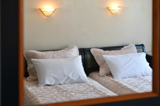 accommodation-fotilia-hotel-cozy-bed