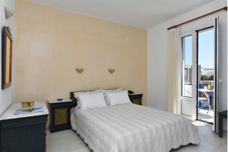 accommodation-fotilia-hotel-sea-view-bedroom