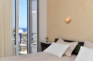 accommodation-fotilia-hotel-sea-view-room
